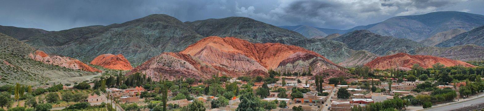 Purmamarca y el cerro de los 7 colores